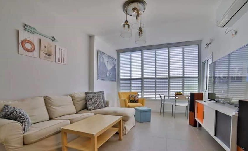 דירה 3 חדרים משופצת מהיסוד ומעוצבת למכירה בשכונת אגרובנק