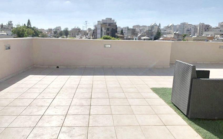 דירת גג 3.5 חדרים בגרין