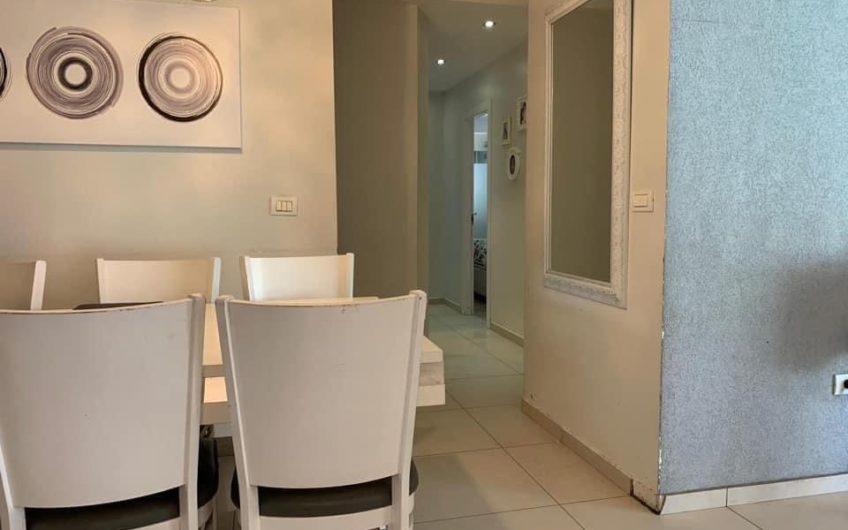 בשכונת רסקו בחולון דירת גן 3.5 חדרים + חצר ענקית