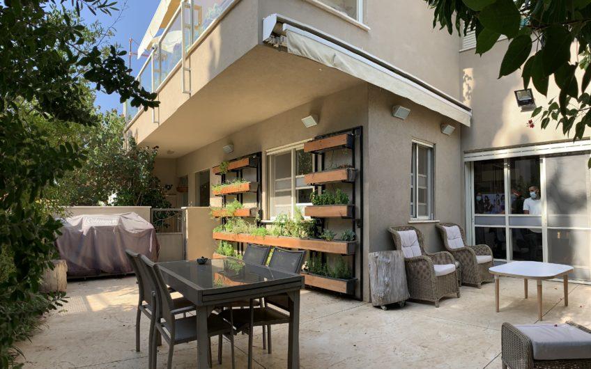 דירת גן מפוארת ברחוב התומר חולון