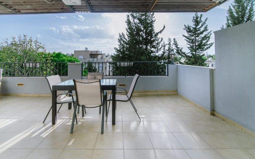 למכירה דירת גג 4.5 חדרים באגרובנק במחיר מציאה !