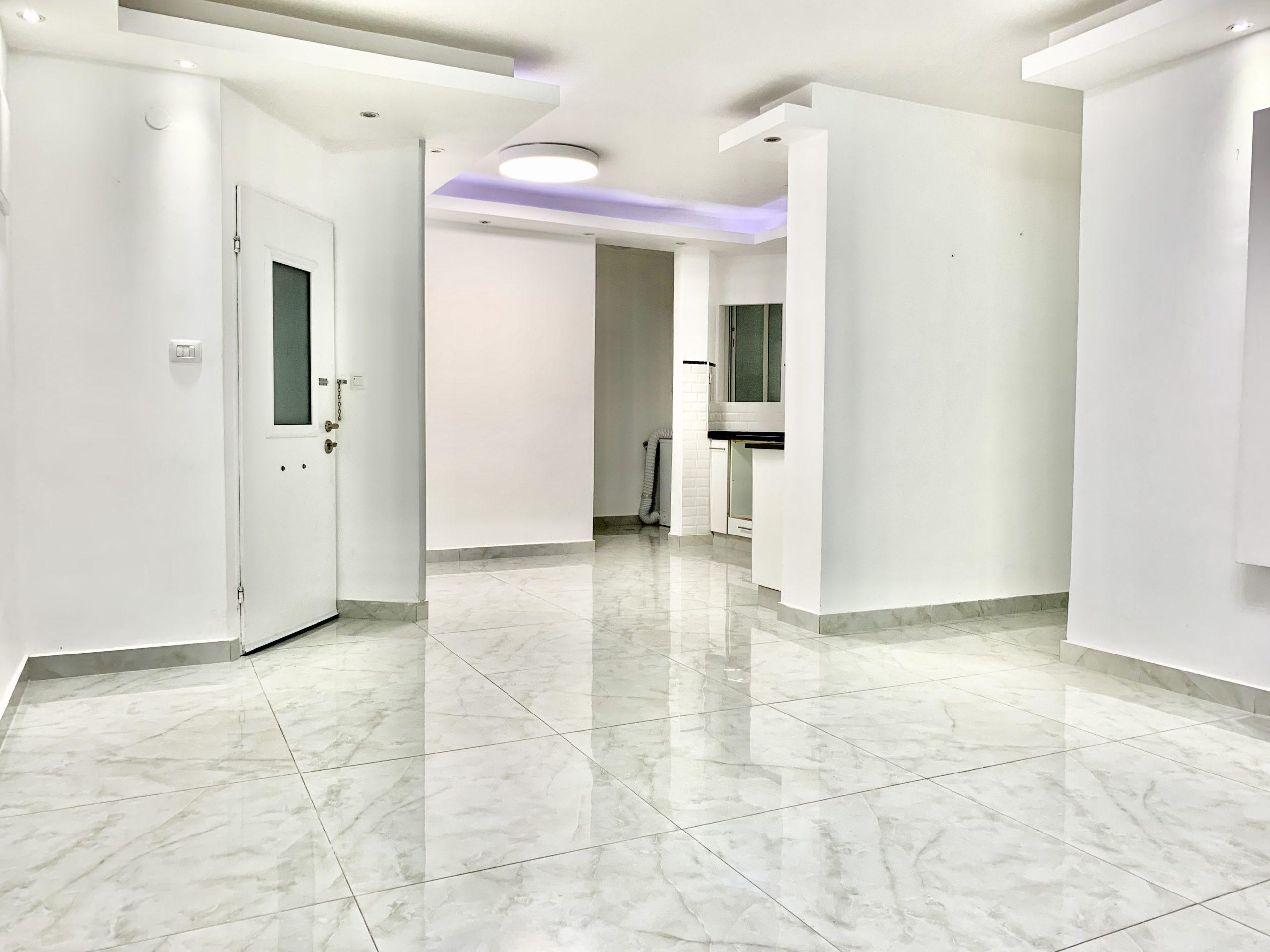 דירה 4 חדרים בשכונת בן גוריון 90 מ״ר גדולה  משופצת מהיסוד !!!